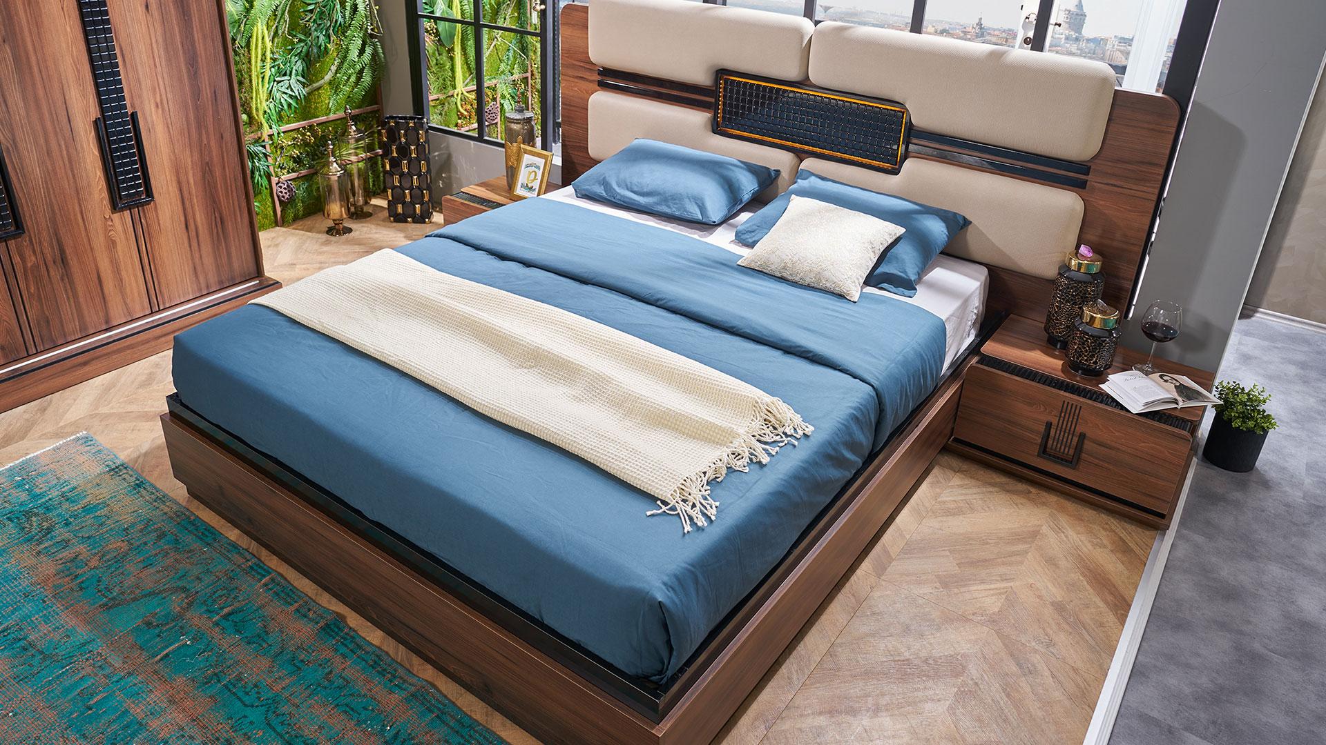 سرير مودرن باللون الابيض و الازرق