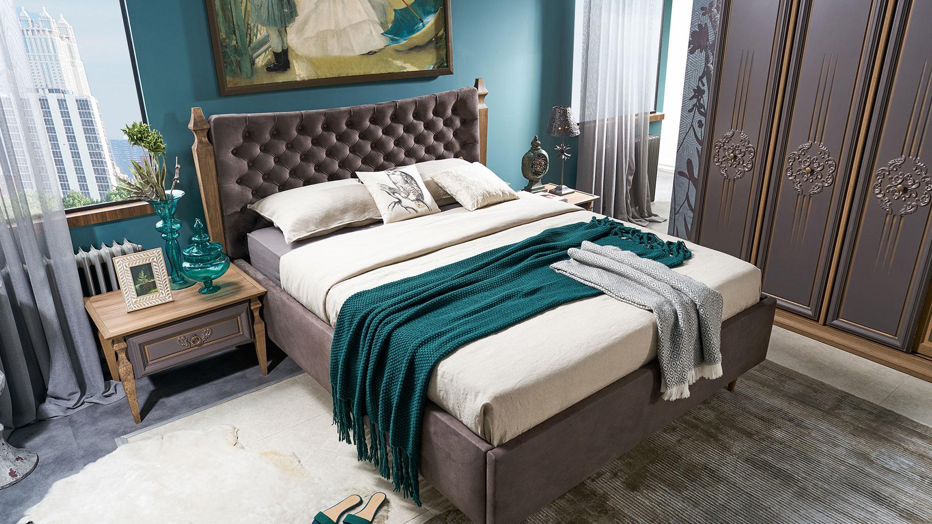 سرير مودرن باللون البني